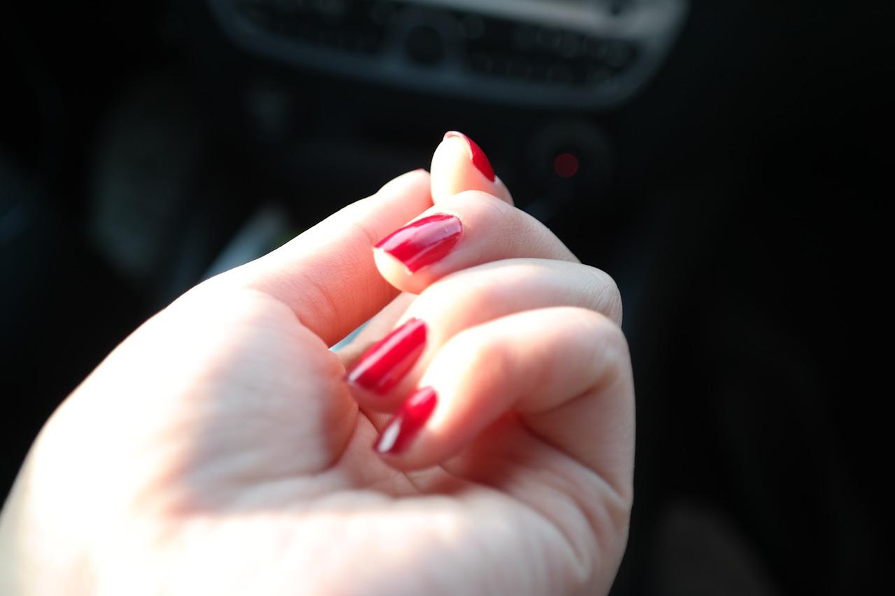 nail-polish-281878_1280